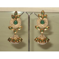 Imitation fashion earrings ~ Pearl & Green stones